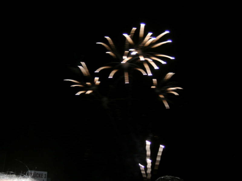 Gratis In Berlin Feuerwerk Im Britzer Garten
