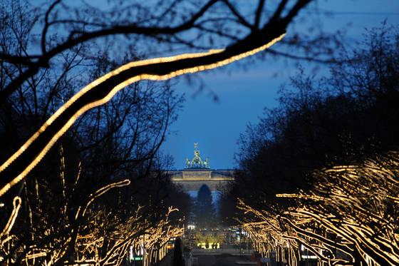 Unter Den Linden Weihnachtsbeleuchtung.Gratis In Berlin Weihnachtsbeleuchtung Unter Den Linden