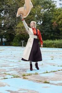 Wir, 2021 Michaela Schweiger / Fotografie Linda Schäffler / Model Luise Weiß