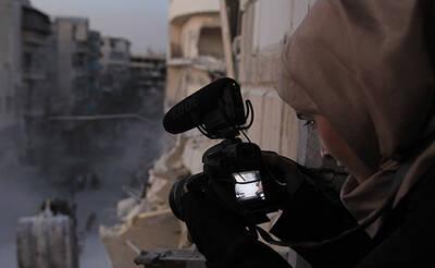 Waad al-Kateab mit Kamera in Aleppo