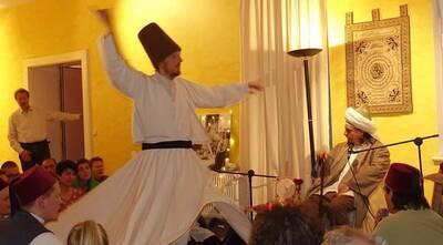 Sema-Workshop, Das Drehen der Derwische