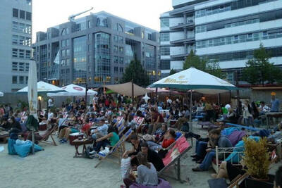 Open Air Kino am Checkpoint Charlie