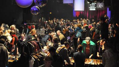 Nachtflohmarkt - Stände und Unterhaltung