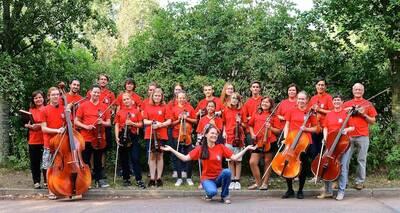 Orchesterprobe für alle Streicher, Schlagwerker und Pianiste...