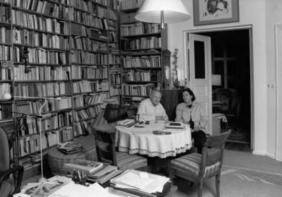 Christa und Gerhard Wolf in ihrem Arbeitszimmer, um 1996. Foto © Roger Melis