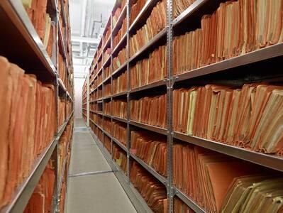 """Führung in der Stasi-Zentrale – """"Montag: Treffpunkt Archiv"""""""