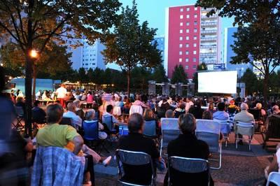 Hellersdorfer Balkonkino - Open Air Kino an 4 Freitagen