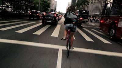 Bikes vs Cars auf Freilichtbühne