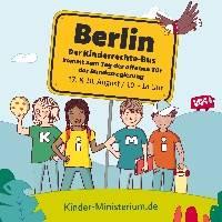 Kinderrechte-Bus beim Tag Der Offenen Tür der Bundesregierun...