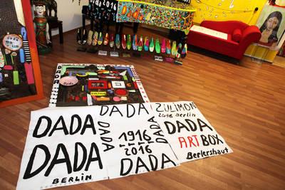 DADA BERLIN / Dada-Verkaufs-Tagung / 3 Jahre Zulimon ART Box