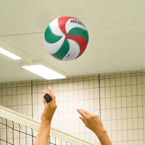 Volleyball-Spielen in Neukölln