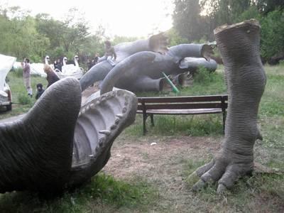 Verlassener Spreepark im Plänterwald mit Riesen-Dinos
