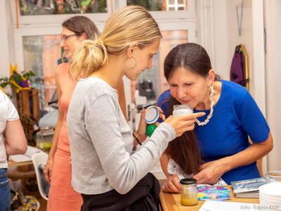 DE/EN: Webinar: DIY - Kosmetika und Hausmittel selbst herste...