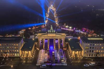Silvester 2019 am Brandenburger Tor mit Programm und Feuerwe...
