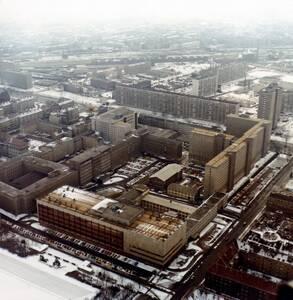Treffpunkt Stasi- Zentrale- Führung durch den historischen O...
