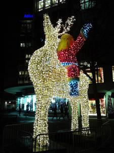 Weihnachtsbeleuchtung um Kudamm mit spektakulären Licht-Moti...