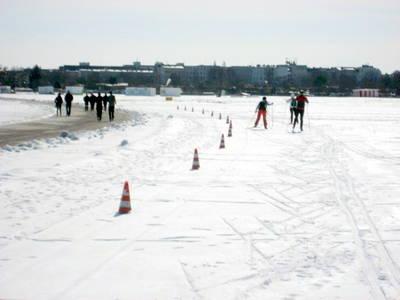 Langlaufen und Langlaufloipe auf Tempelhofer Flughafenfeld