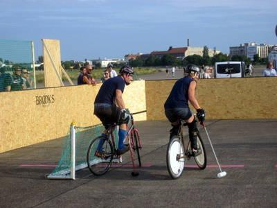 Bike Polo Turnier auf Tempelhofer Feld