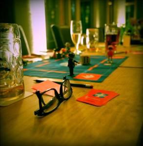 1 Bar, 10 Teilnehmer, 1 Spiel