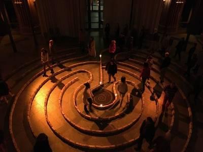 Stille Wochen am und im begehbaren Labyrinth in der Heilig-K...