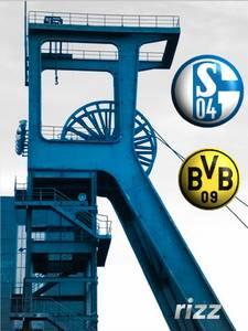 Revierderby Schalke - BVB auf 2 Leinwänden in Kreuzberg