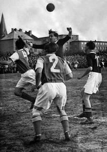 Ausstellungseröffnung mit Film: Fußball im Hinterhof der Sta...