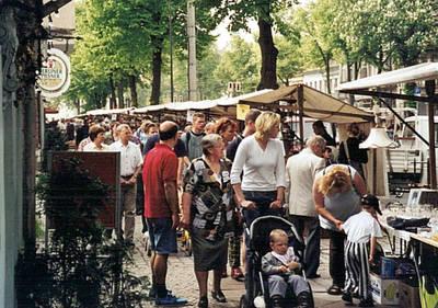 Großer Kunst- und Trödelmarkt am Friedrichshagener Bölschest...