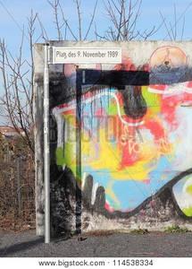 """Filmvorführung """"Bornholmer Strasse"""" und Zeitzeugenberichte"""