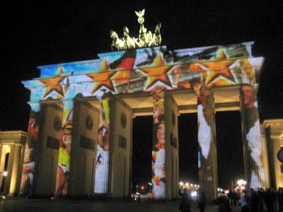 Brandenburger Tor in Einheitsfarben